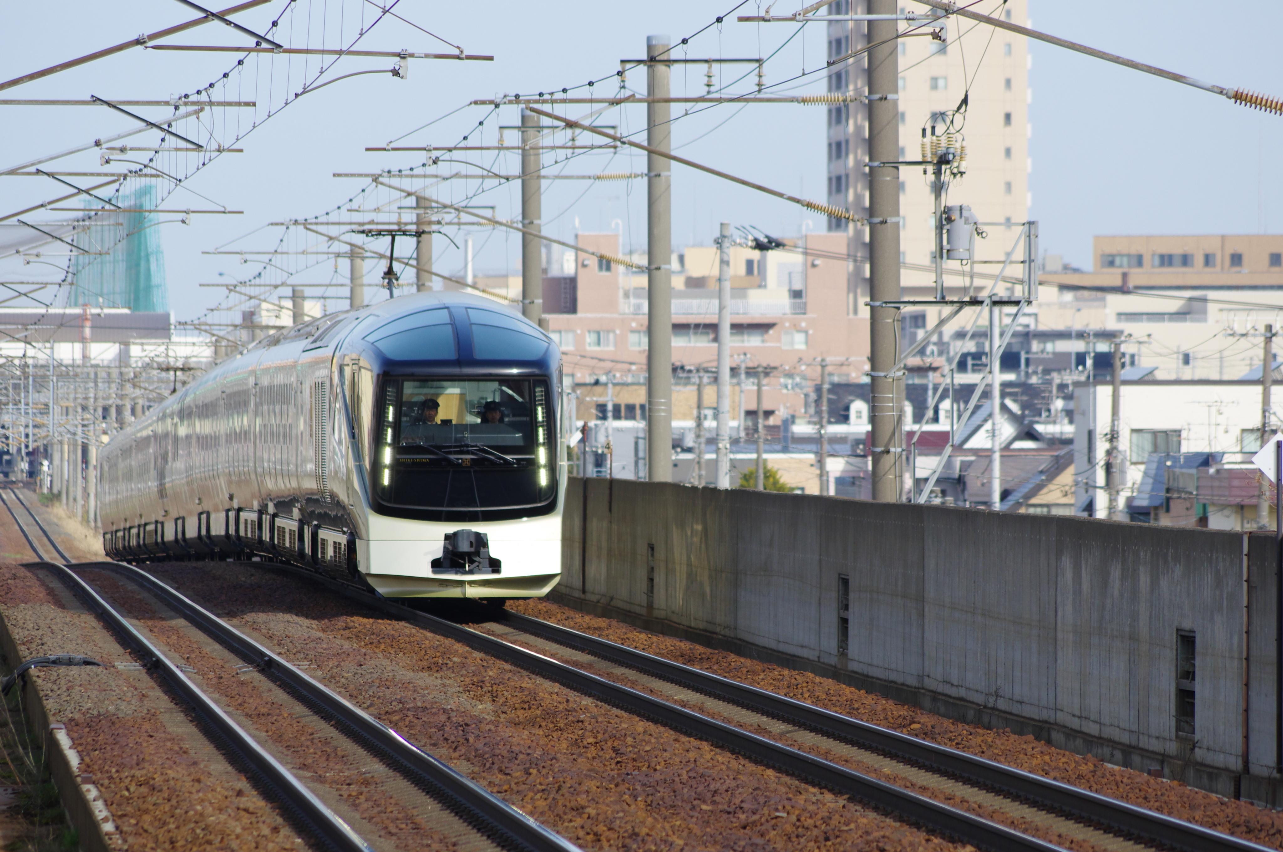 TRAIN SUITE 四季島 手稲−稲積公園 遠景_190424 (1).jpg