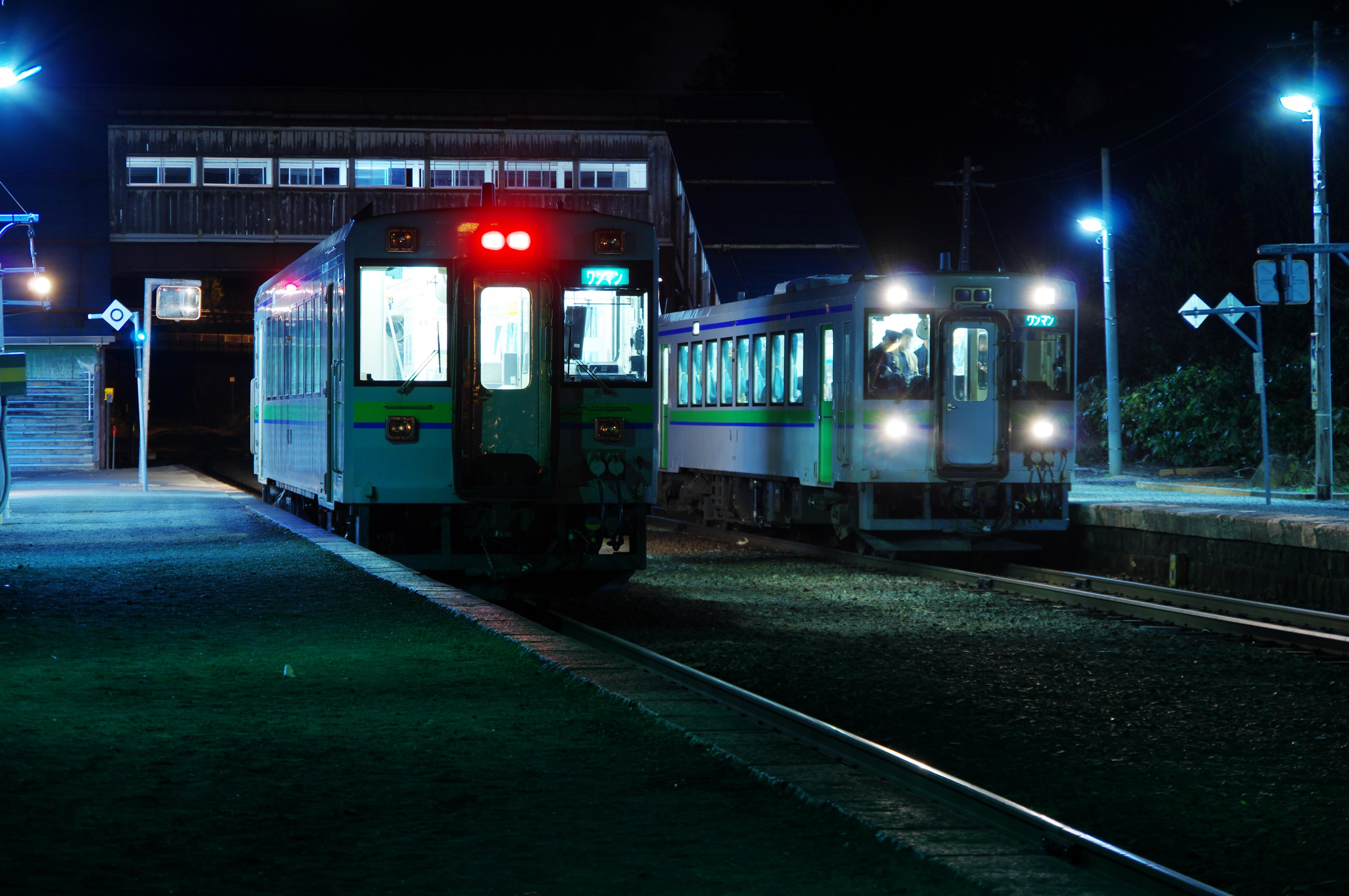 キハ150 1962D & 2959D 塩谷駅 平成最終列車の交換_190430.jpg