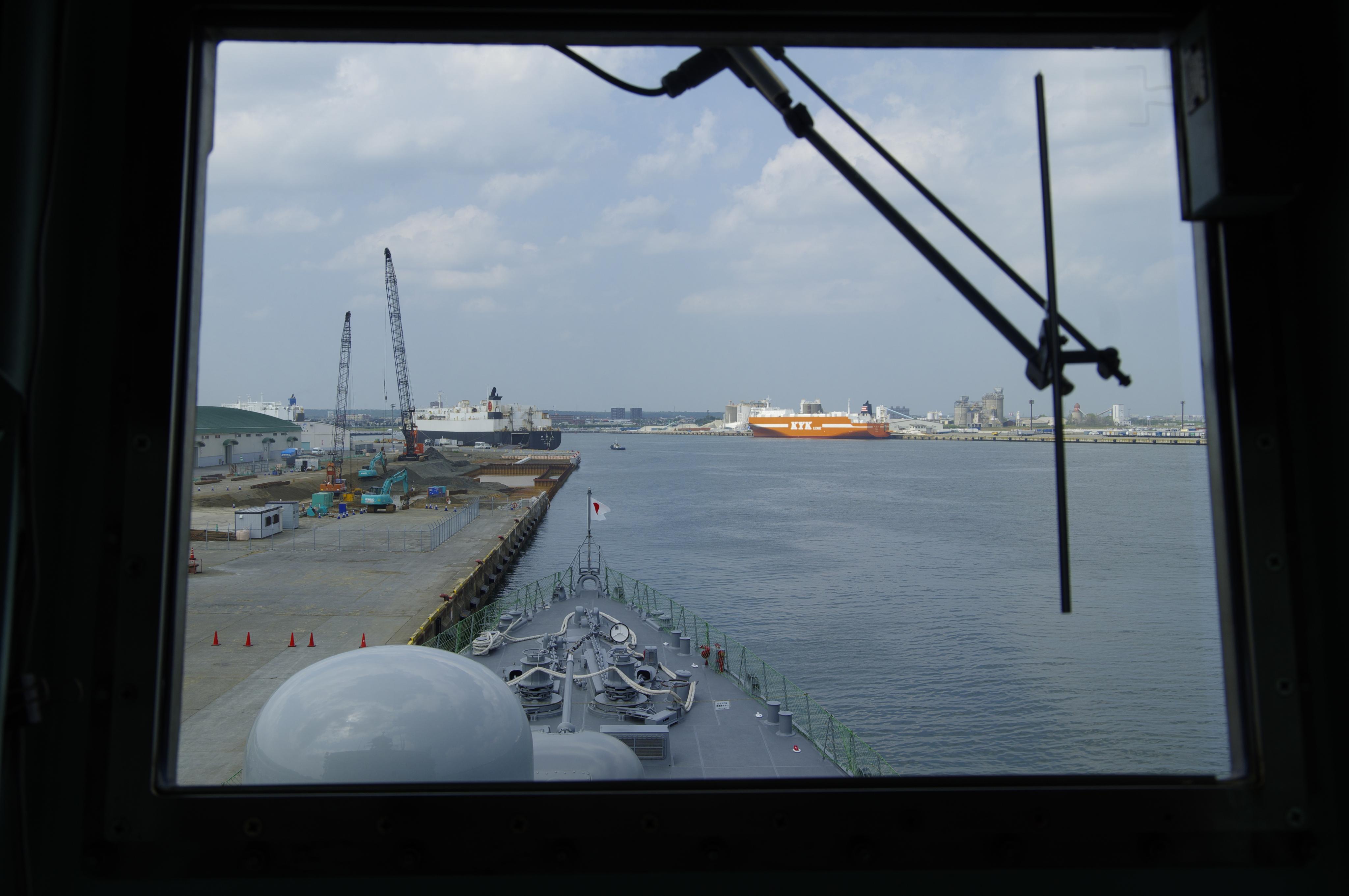 護衛艦 ゆうだち 操舵室より_190803.jpg