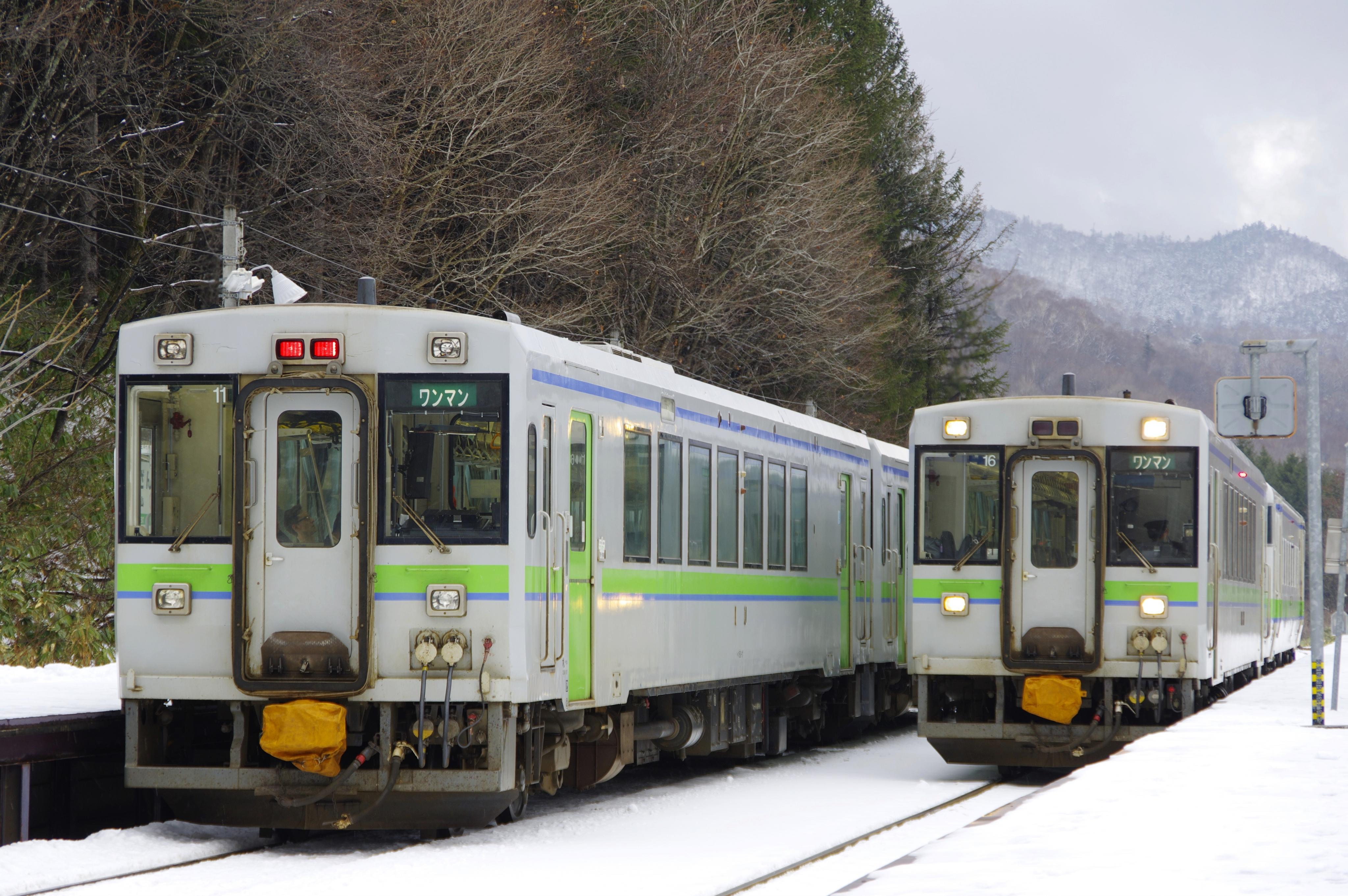 キハ150 1939D&1940D 銀山駅_191214.jpg