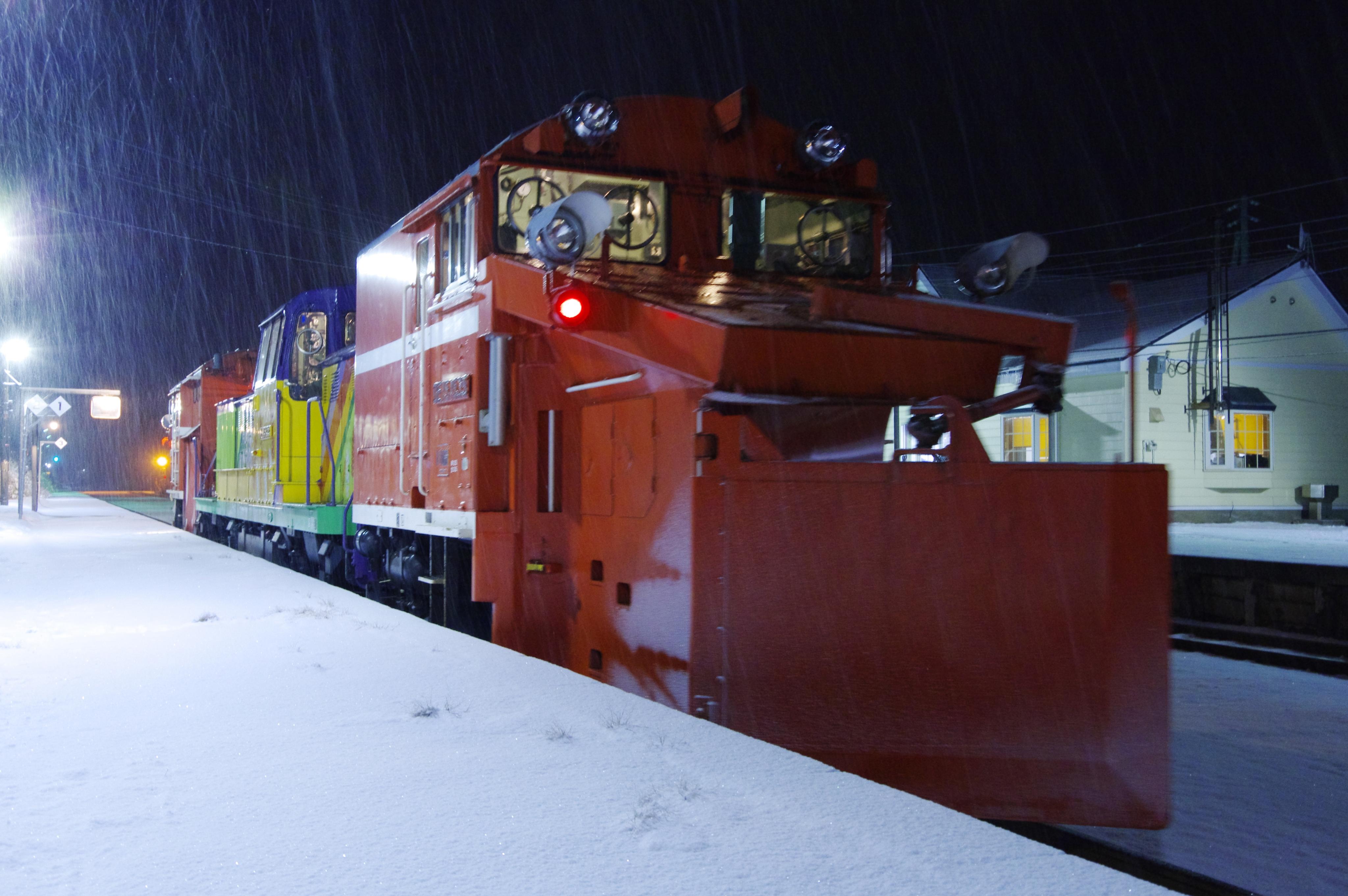 雪122レ バックショット 蘭島駅 191221.jpg