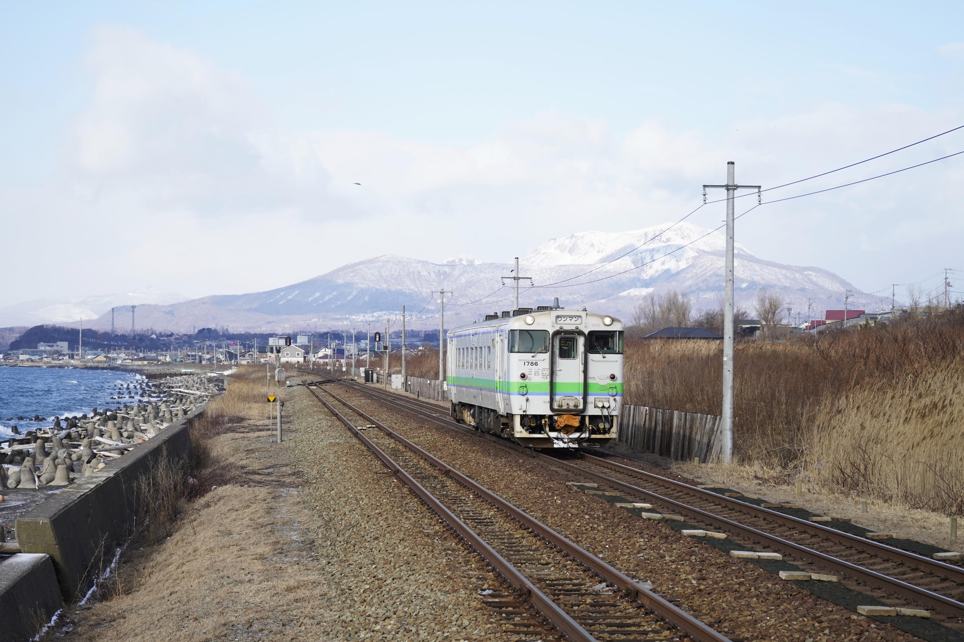 キハ40 477D 北舟岡駅入線_200104.JPG