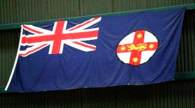 ニューサウスウェールズ州の州旗でございます☆