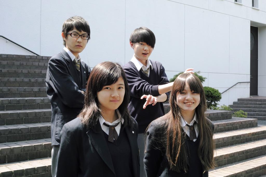 関東学院六浦高等学校制服画像