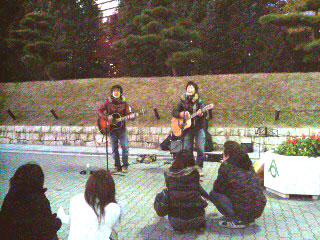 C&A 大阪城ホール前路上02