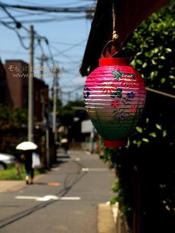 2011年東京盆の時の空に花束