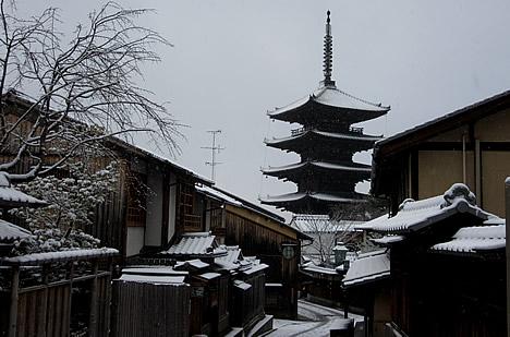 八坂の塔 雪