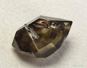 モララ 煙水晶