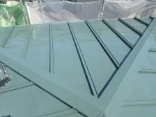 屋根塗装施工中