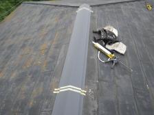 屋根棟板金施工中