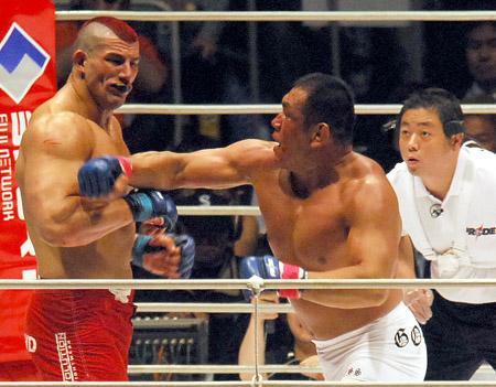 藤田vsトンプソン