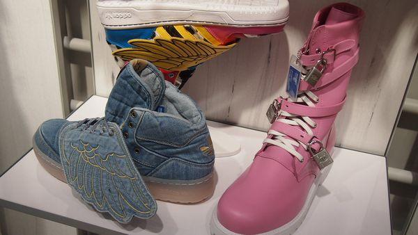 adidas_sinjuku1.jpg