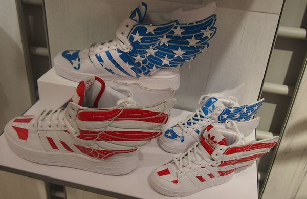 adidas_sinjuku3.jpg