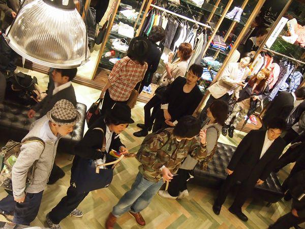 onitsukatiger_omotesando11.jpg