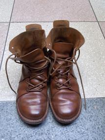 ピカピカの靴