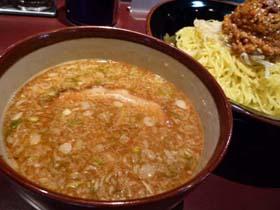 『がんてつ』の『にん肉玉辛みそつけ麺』