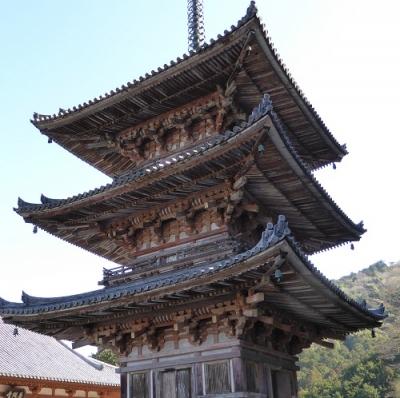 壷阪寺 三重塔