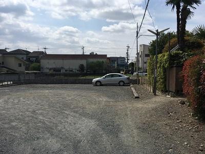 崋山寺裏駐車場
