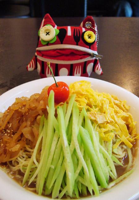【江南飯店】クラゲ入り黒香酢冷麺