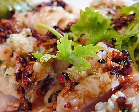 蒸し鶏のネギ生姜ソース