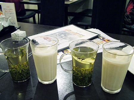 お茶とミルクティー