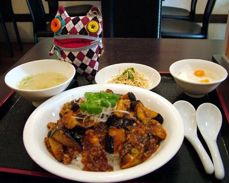 マーボー茄子丼・野菜スープセット