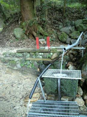岩湧山の長寿水