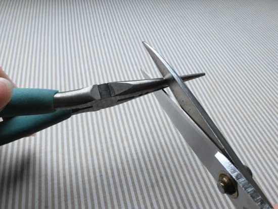 ハサミを切れるようにする方法