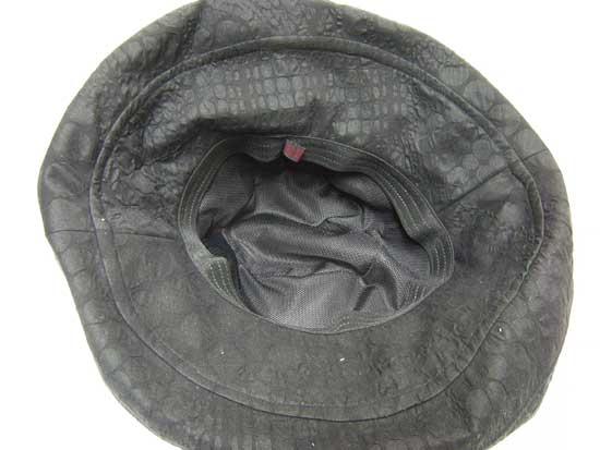 メッシュ裏地の帽子