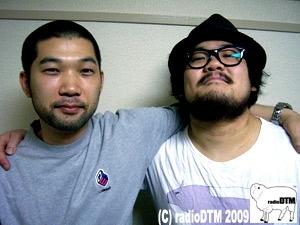 肩を組むnakamuraさんと社長