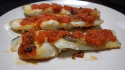 鱈の揚げ物自家製トマトソースがけ