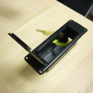 ZO-3電池BOXフタ開き