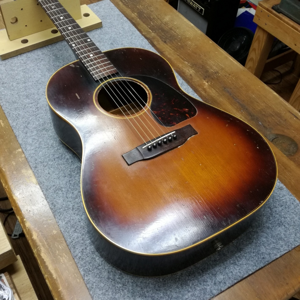 Gibson LG-2ブレイシング