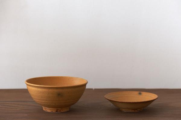 黄伊羅保鉢と小皿