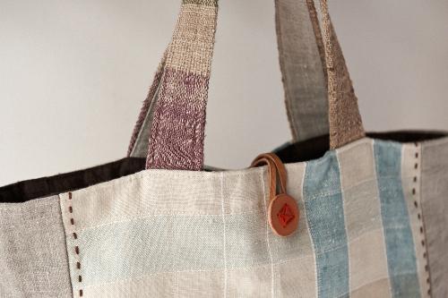 織りのバッグ