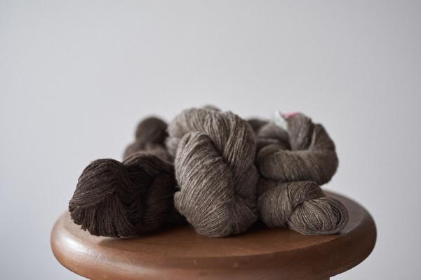 ヤクの手紡ぎ糸