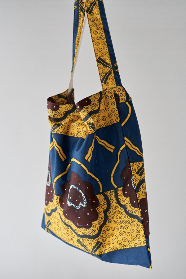 アフリカンプリントのショルダーバッグ
