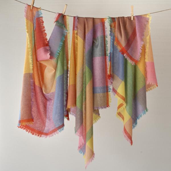 四角いスカーフ