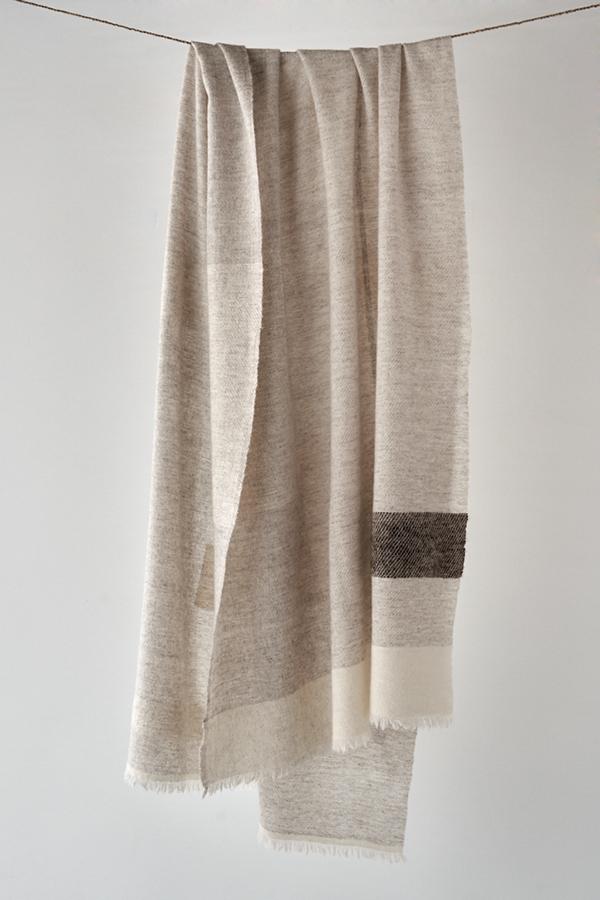 カシミヤとヤクの混紡糸