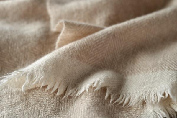 手紡ぎカシミヤのストール