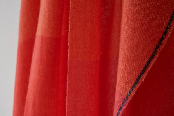 赤いカシミヤストール