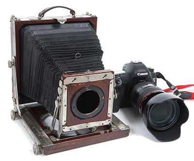古いカメラ-1.jpg