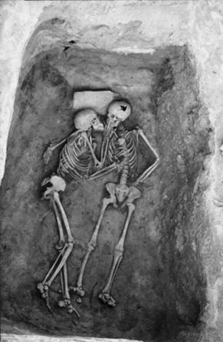 年 千 から 前 一 年 と 万 愛し てる 二