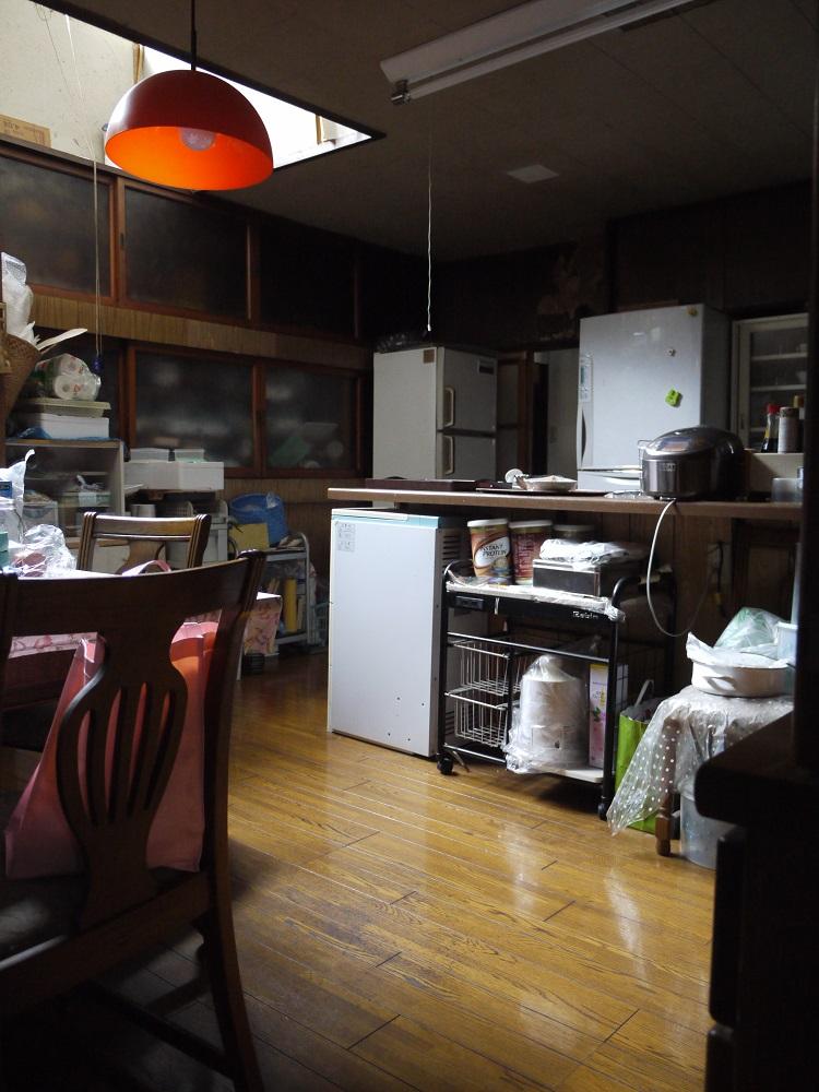 1.改装前の台所.JPG
