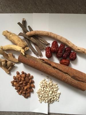 桂枝茯苓丸生薬並び