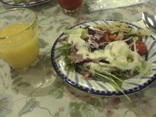 サラダとオレンジ