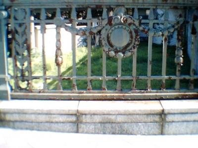 欄干の飾り ビスケットカメラ