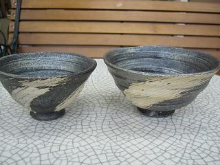 左:従来のもの上代価格¥3,000、右:飯碗大上代価格¥3,600(いずれも陶器まつり会場では会場特価となります。)