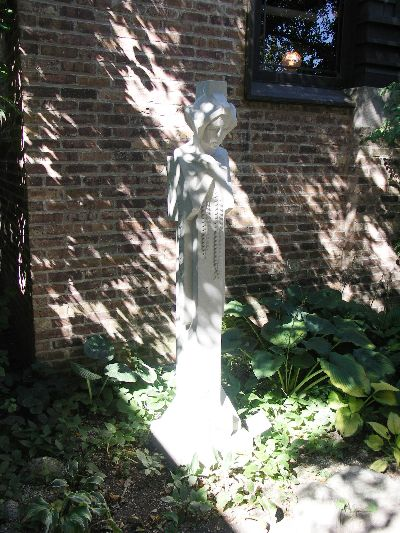ライトのデザインした彫刻