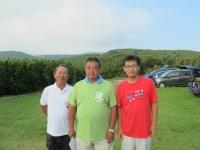 ラダークラス優勝の石井選手(中央)、2位宮川(左)、3位市村さん(右)
